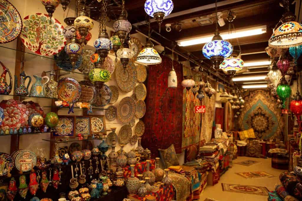 Alborz Carpets & Handicraft