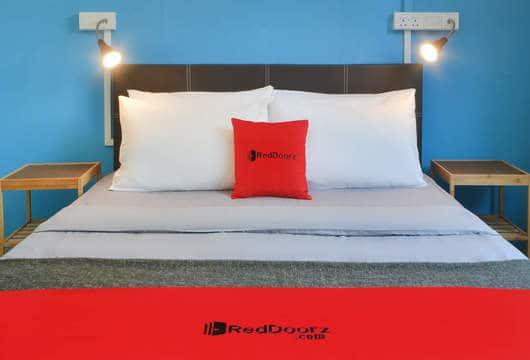 RedDoorz Hostel @ Beach Road